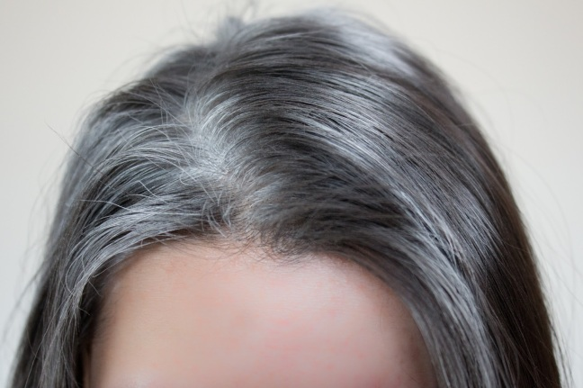 Follow these tips to remove white hair root/World Creativities