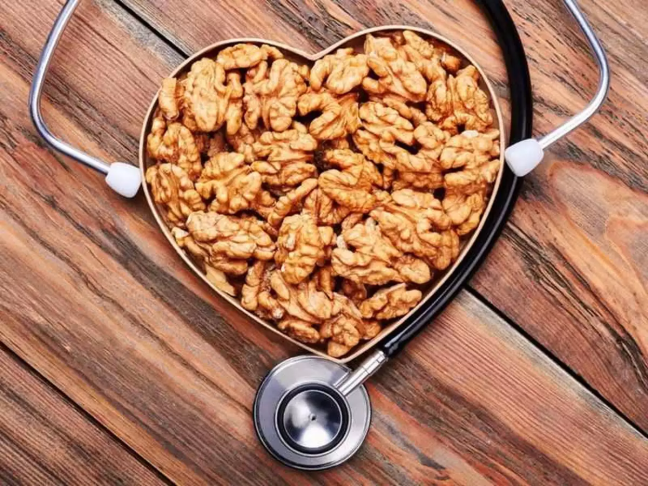 Walnuts are not only beneficial for health, skin and hair, use this way/WorldCreativities