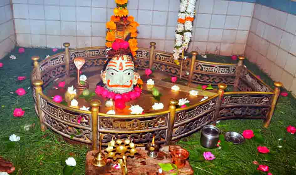 Shiva Pataleshwar Temple | Here Lord Shiva is offered a broom. What is the belief of the temple - @worldcreativities