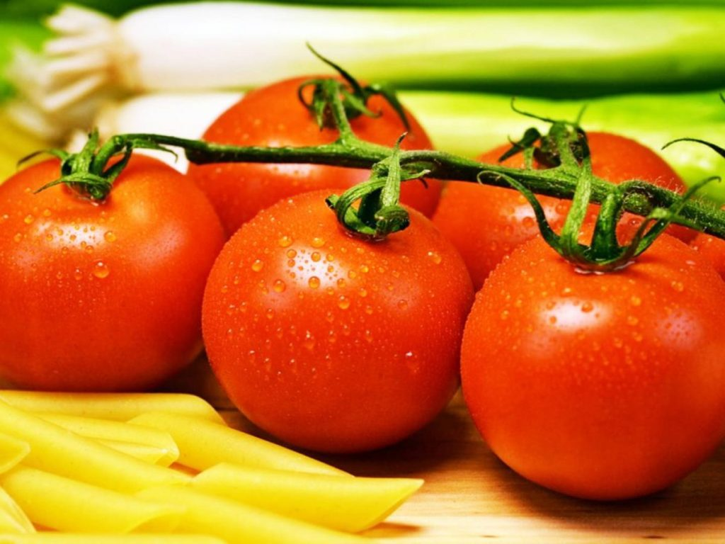 worldcreativities.com Tomato is very beneficial for mental and physical development