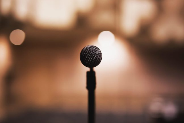 Such effective ways to get rid of stage fear, so that anyone speaks without any hesitation