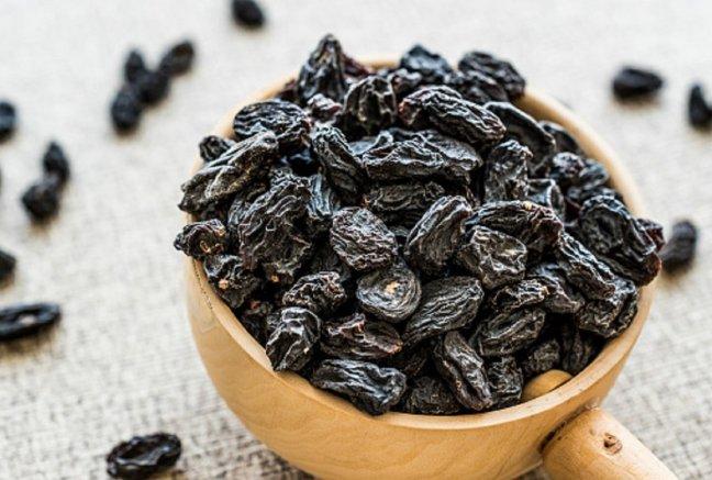 Anemia | Black raisins for sure treatment of anemia