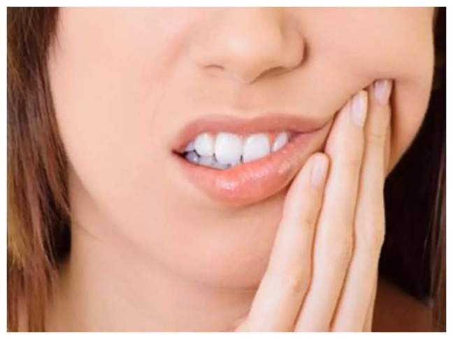 If you are troubled by toothache, then use cloves, this is a priceless way