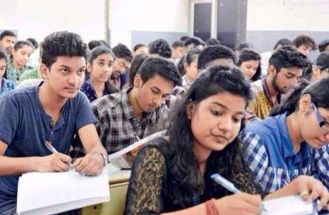 Karnataka SSLC Exam 2021: Amidst the Corona crisis, the Karnataka SSLC 2021 exam is going to start from July 19. In such a situation, the government is making many preparations to conduct safe examinations.