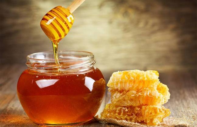 You can use honey to overcome many everyday problems. Let us know about this in detail.
