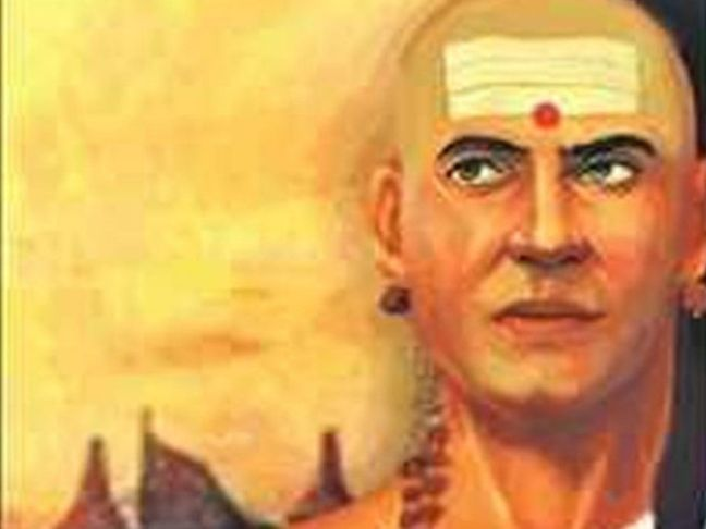 Chanakya Niti | Such houses are inhabited by the dead, not humans, how to make the house a heaven according to Chanakya