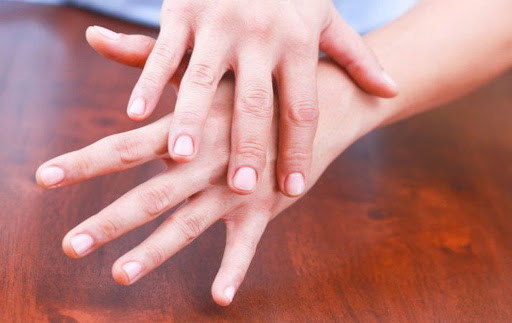 It is inauspicious that there is more gap between the fingers of the hands, one has to face the problems